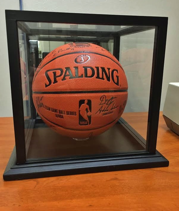 2017 Auction Item - a basketball signed by the ENTIRE Warriors Team and Coaching Staff.